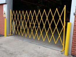 Large Expandable Safety Barrier for warehouse