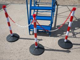 media/catalog/category/post-and-chain-bollards-06.jpg
