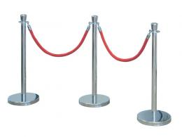 Rope and barrier posts