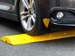 5mph Standard Speed Bump Kit Yellow