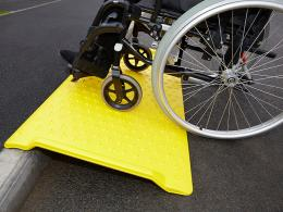media/catalog/category/wheelchair-kerb-ramp-05.jpg