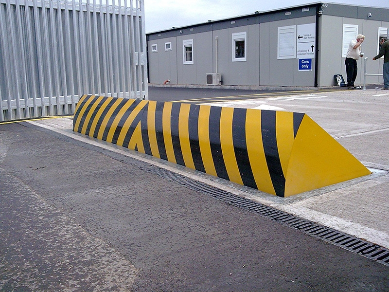Automatic Rising Kerb Road Blocker