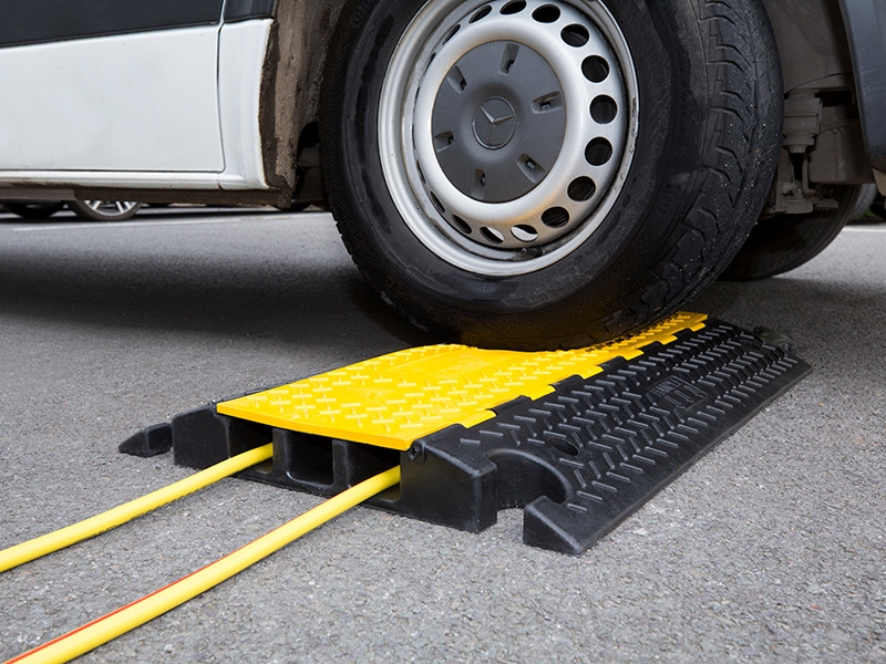 Foot and road traffic cable protector