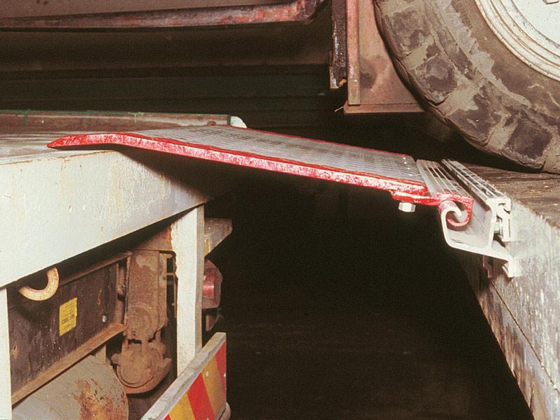 Hinged Dock Plates : Buy hinged bridge dock plate free delivery