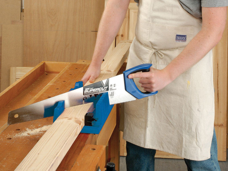 how to cut baseboards with a mitre box
