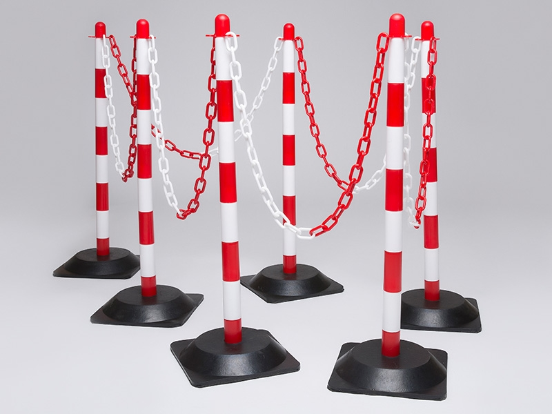 Rubber Base Red and White 6 Post Plastic Chain Kit