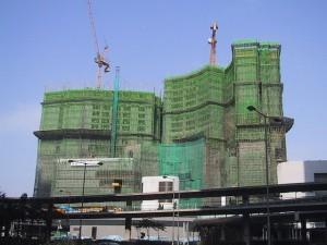 Image source: http://upload.wikimedia.org/wikipedia/commons/thumb/2/26/BambooConstructionHongKong.jpg/640px-BambooConstructionHongKong.jpg