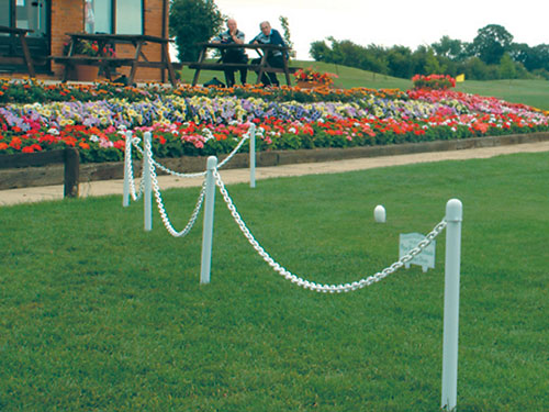 Decorative garden chain